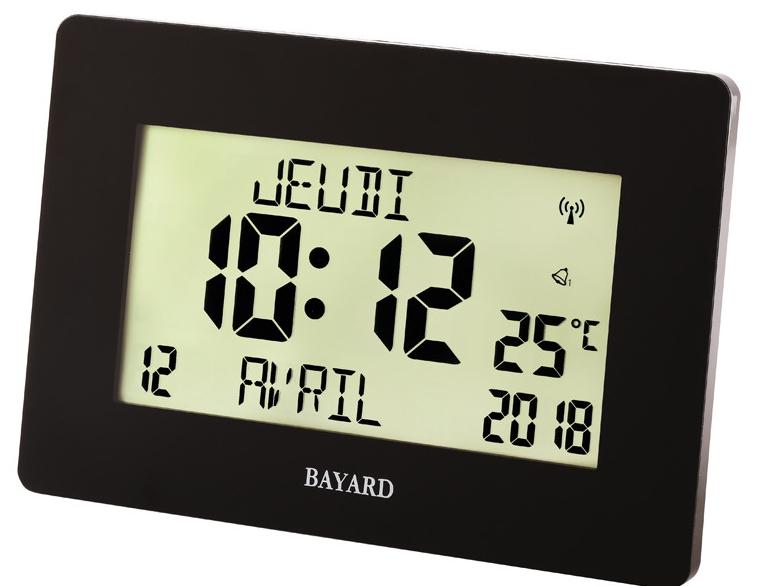 horloge murale digitale radio pilot e noire avec calendrier en fran ais. Black Bedroom Furniture Sets. Home Design Ideas
